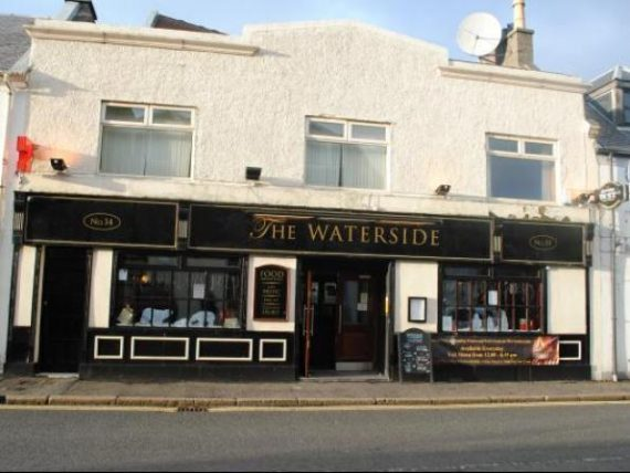 Pub 4/5 - Waterside, Largs